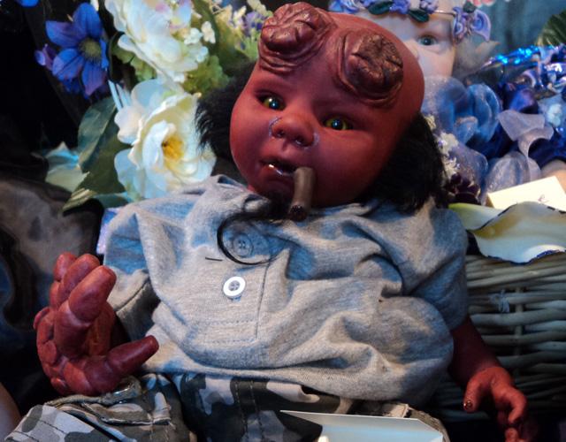 Lulu's Magic World (Création de poupées horrifiques)