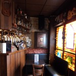 A l'intérieur côté bar