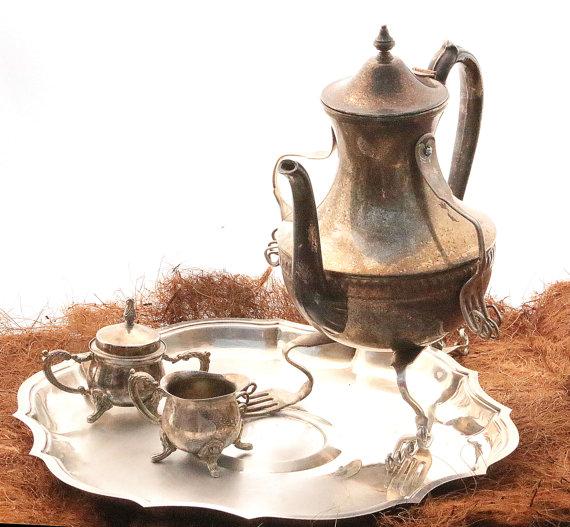 service-à-thé-Alice-au-Pays-des-Merveilles