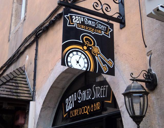 221b Baker Street : le bar dijonnais des apprentis détectives ...