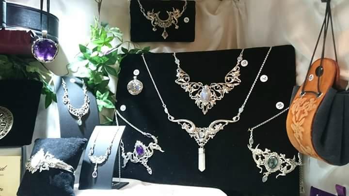 Les bijoux de l'Atelier Terra Nostra en vente dans les boutiques Mandragore à Paris
