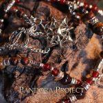 Le collier Pandora's Chain